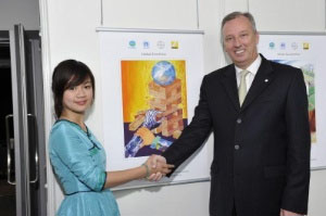 Hong Kong Girl Wins Prize for the Best Painting