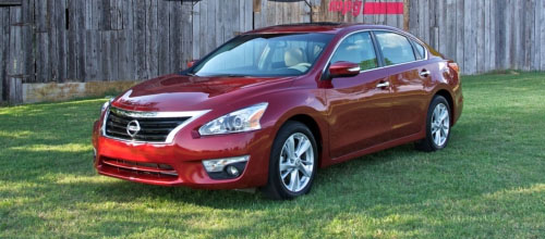 Nissan Altima Heads to Showrooms