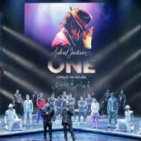 Michael Jackson ONE