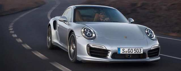 Porsche 918 Spyder Makes its World Debut