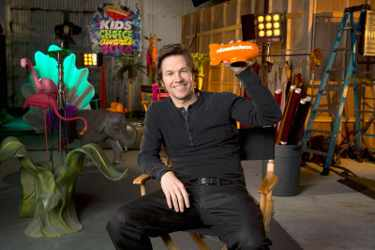 Mark Wahlberg to Host Kids' Choice Awards