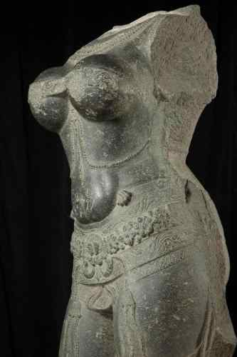 Torso of a female deity (detail), 1400-1600. Southern India. Stone. Asian Art Museum, The Avery Brundage Collection, B63S3. Asian Art Museum, San Francisco.Torso of a female deity (detail), 1400-1600. Southern India. Stone. Asian Art Museum, The Avery Brundage Collection, B63S3. Asian Art Museum, San Francisco.