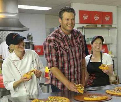 Music Star Blake Shelton to Roll Out New Pizzas for Pizza Hut