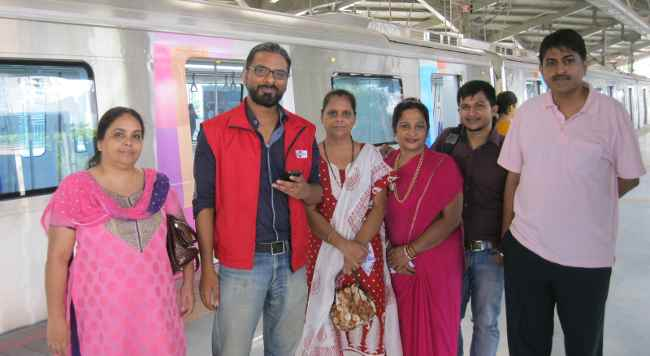 RJ Siddharth with Listeners
