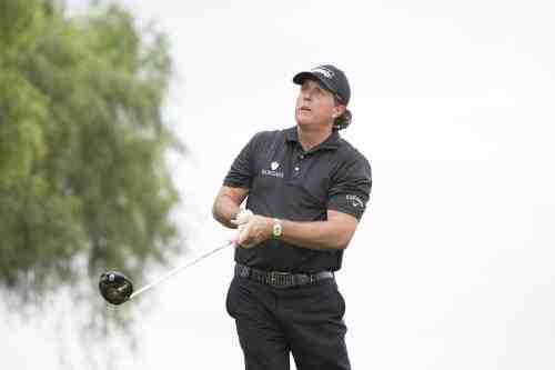 Callaway Golf Signs Phil Mickelson