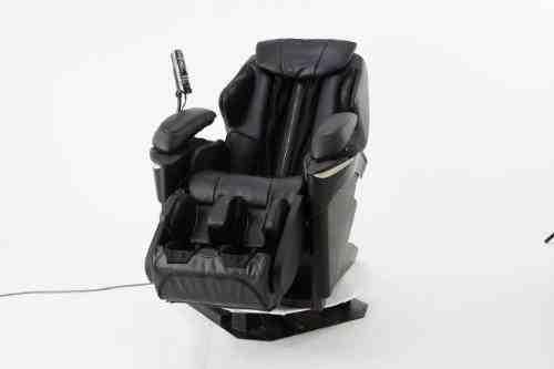 Panasonic Debuts the 3D Heated Massage Chair