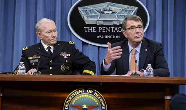 Army Gen. Martin E. Dempsey, chairman of the Joint Chiefs of Staff, left, and Defense Secretary Ash Carter conduct a news conference at the Pentagon, April 16, 2015. DoD photo by Army Sgt. 1st Class Clydell Kinchen