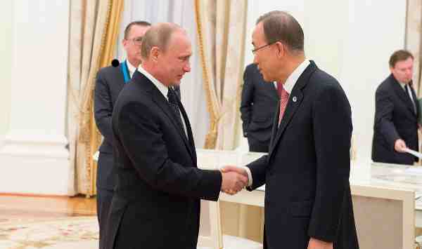 Secretary-General Ban Ki-moon and President of Russian Federation Vladimir Putin in Moscow to mark 70th anniversary of the end of the Second World War in Europe. UN Photo / Eskinder Debebe
