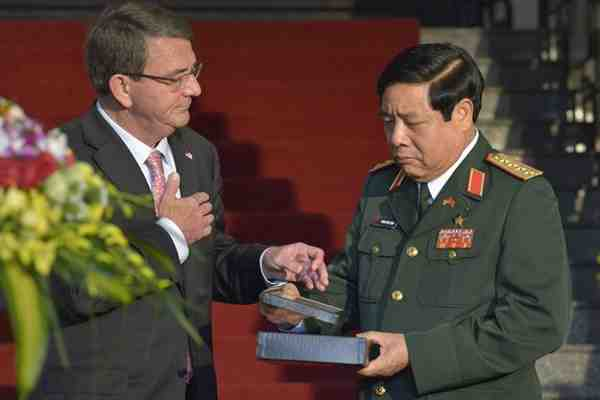 Ash Carter and General Phung Quang Thanh