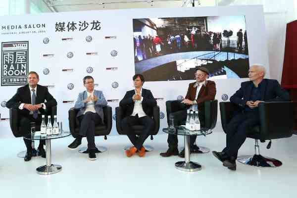 Mediasalon: Talk at the opening of Rainroom in Shanghai Prof. Dr Jochem Heizmann, President and CEO of Volkswagen Group China and member of the Executive Board of Volkswagen AG; Budi Tek, Founder of Yuz-Museum; Hannes Koch, artist and founder Random International; Florian Ortkrass, artist and founder Random International; Klaus Biesenbach, Director MoMA PS1 und Curator at Large at MoMA (from left to right).