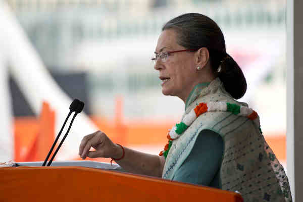 Congress President Sonia Gandhi at Kisan Samman Rally in Delhi