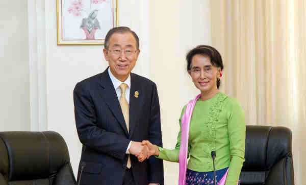 Secretary-General Ban Ki-moon meeting with Daw Aung San Suu Kyi in Nay Pyi Taw, Myanmar in November 2014. UN Photo / Rick Bajornas (file)
