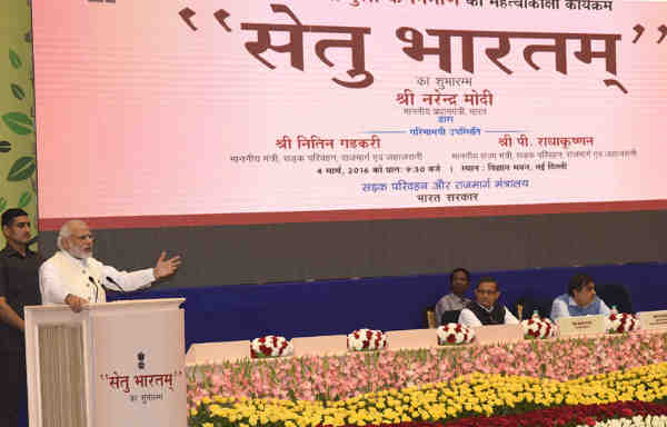 Narendra Modi addressing at the launch of the Setu Bharatam– for bridge building to ensure seamless travel on National Highways, in New Delhi on March 04, 2016