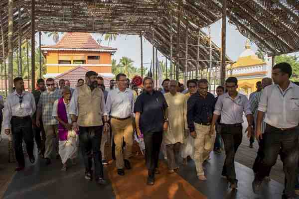 Defense Secretary Ash Carter, center left, walks with Indian Defense Minister Manohar Parrikar, center right, during a tour of the Mangeshi Temple in Goa, India, April 10, 2016. Carter is visiting India to solidify the U.S. rebalance to the Asia-Pacific region. DoD photo by Air Force Senior Master Sgt. Adrian Cadiz