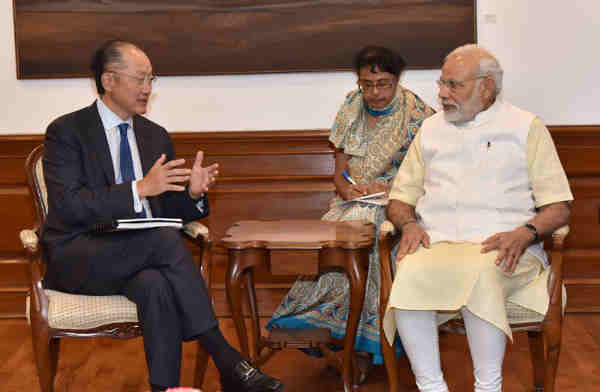 The President, World Bank, Dr. Jim Yong Kim calling on the Prime Minister, Narendra Modi, in New Delhi on June 30, 2016