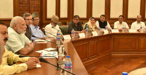 A delegation of Opposition Parties from Jammu & Kashmir meeting the Prime Minister, Narendra Modi, in New Delhi on August 22, 2016