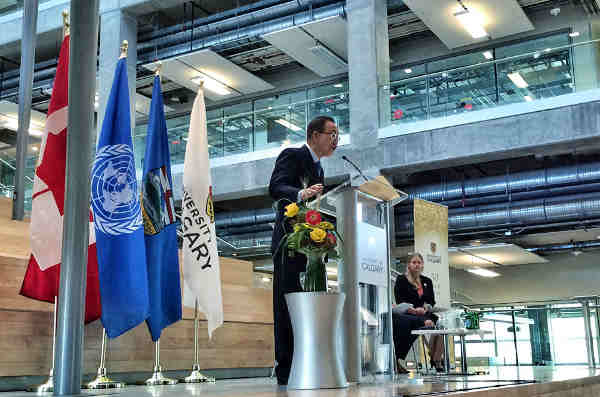 Secretary-General Ban Ki-moon delivers address at the University of Calgary. UN Photo / Mark Garten