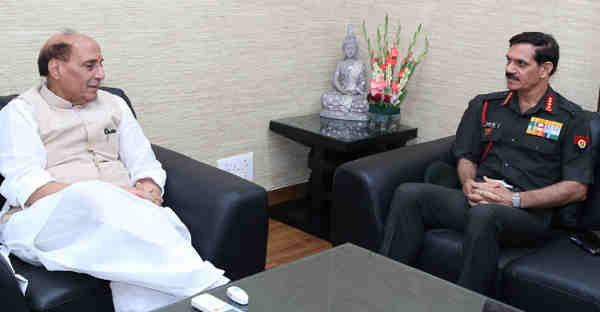 The Chief of Army Staff, General Dalbir Singh calling on the Union Home Minister, Shri Rajnath Singh, in New Delhi on September 07, 2016.