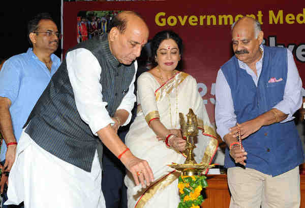 Rajnath Singh inaugurating the 25th Annual Day celebration of Government Medical College and Hospital, in Chandigarh on September 09, 2016. The Governor of Punjab and Administrator of Chandigarh, V.P. Singh Badnore is also seen.