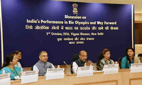 Vijay Goel addressing at the Round Table discussion on 'India`s performance in Rio Olympics and way forward', in New Delhi on October 03, 2016