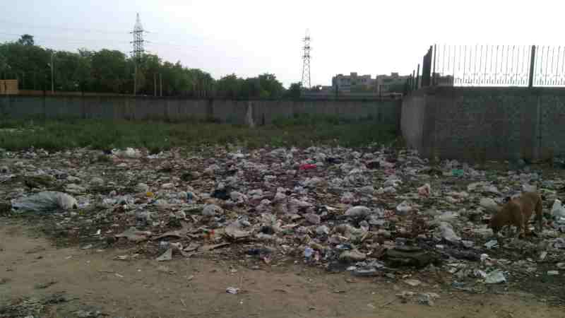 A garbage dumping site in New Delhi, which continues to be the world's most polluted and dirtiest city. Photo of 2015 by Rakesh Raman