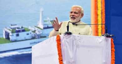 Narendra Modi addressing the gathering after laying the foundation stone of various projects in Goa on November 13, 2016
