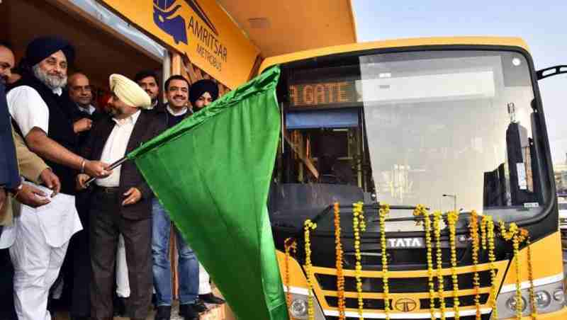 Sukhbir Singh Badal flagging off the first Metro bus in Amritsar