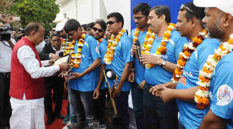 Vijay Goel felicitated the Winner Indian Team of T20 World Cup Cricket for the Blind 2017, at a function, in New Delhi on February 20, 2017.