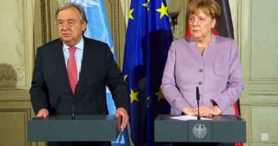 Secretary-General António Guterres (left) at a press encounter alongside German Chancellor Angela Merkel.