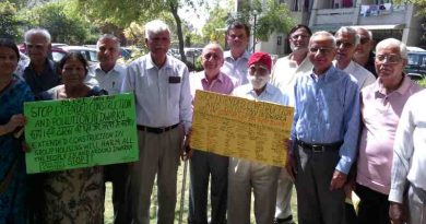 Senior citizens of Delhi urge the government to save them from dust and noise pollution of FAR extended construction activity. Campaign and Photo by Rakesh Raman