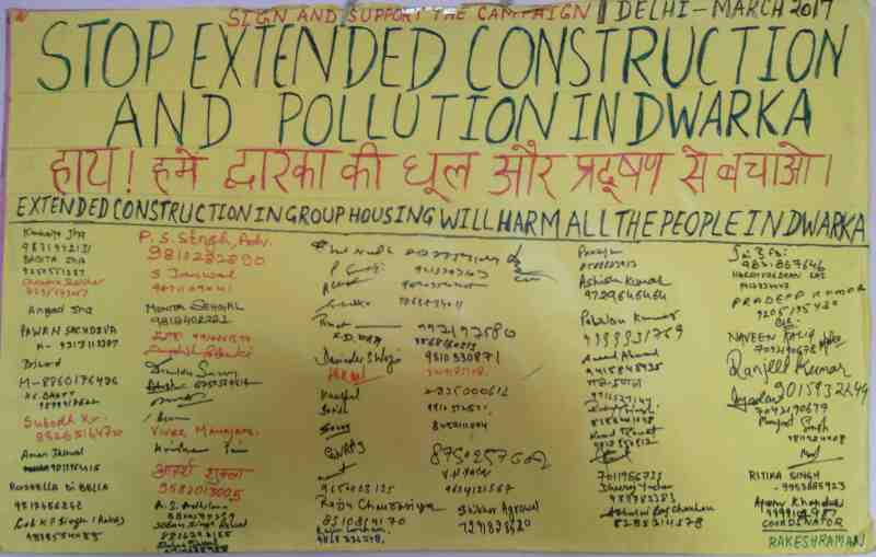 People are participating enthusiastically in the signature campaign to stop construction -related dust and noise pollution in Dwarka, New Delhi