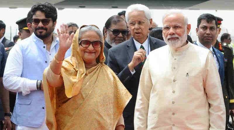 Narendra Modi welcomes the Prime Minister of Bangladesh, Ms. Sheikh Hasina, on her arrival, at Air Force Station Palam, in New Delhi on April 07, 2017