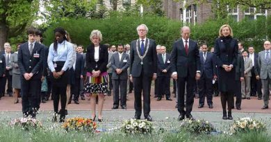 Minute of silence being observed at the annual Day of Remembrance for all Victims of Chemical Warfare held at the Headquarters of the Organisation for the Prohibition of Chemical Weapons (OPCW) in The Hague. 2015. Photo: OPCW