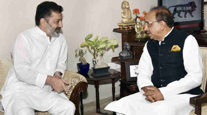 Imran Raza Ansari calling on Vijay Goel in New Delhi on June 08, 2017
