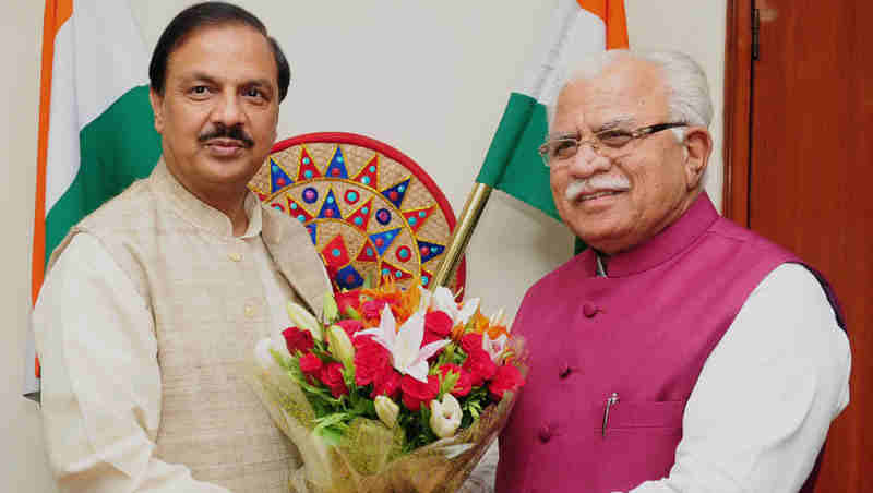 The Chief Minister of Haryana, Shri Manohar Lal Khattar calling on the Minister of State for Culture and Tourism (Independent Charge), Dr. Mahesh Sharma, in New Delhi on June 02, 2017