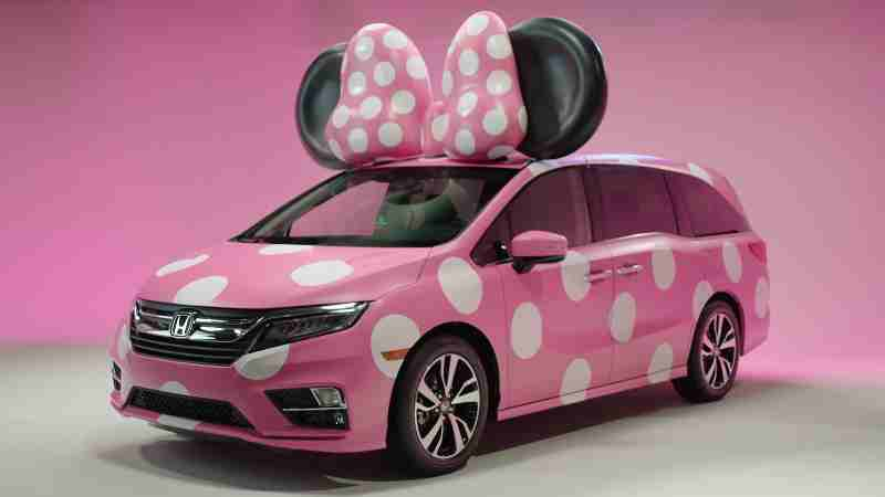 """Honda Goes Fashion Forward with Debut Display of One-of-a-Kind """"MINNIE VAN"""" – Custom-Designed Odyssey Created for Disney D23 Expo"""