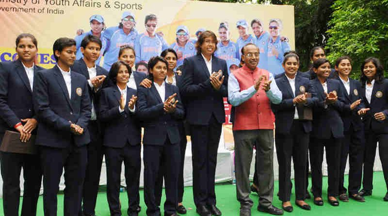 Vijay Goel felicitated the Indian Women Cricket Team on its return from London, at a function in New Delhi on July 27, 2017.