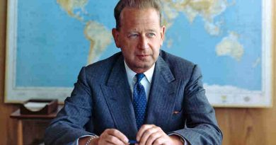 Portrait of former Secretary-General Dag Hammarskjöld. UN Photo/JO (file)