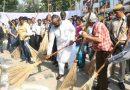 Cricketer Sachin Tendulkar Joins Swacchata Hi Seva Campaign