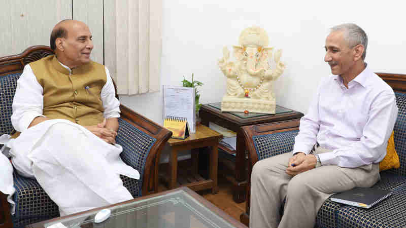 Shri Dineshwar Sharma, former Director of Intelligence Bureau, calling on the Union Home Minister, Shri Rajnath Singh, after being appointed as the Representative of Government of India to initiate dialogue in Jammu and Kashmir, in New Delhi on October 23, 2017.
