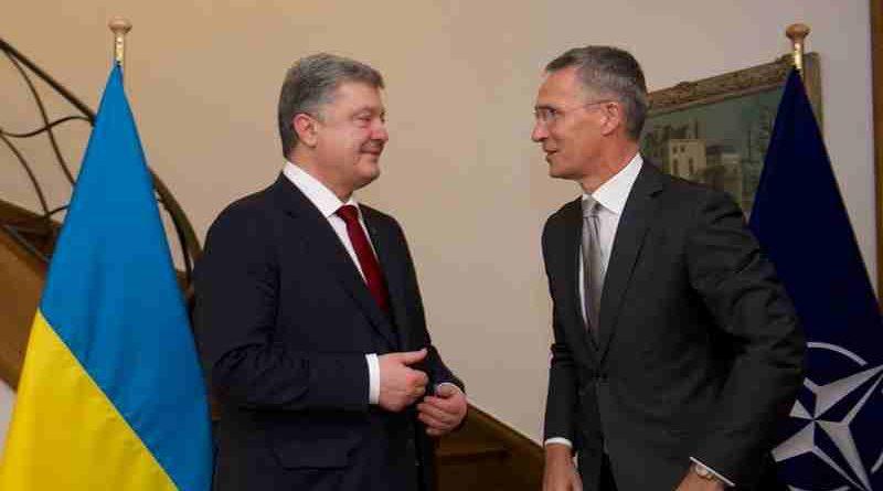 NATO Secretary General Jens Stoltenberg and Ukrainian President Petro Poroshenko. Photo: NATO