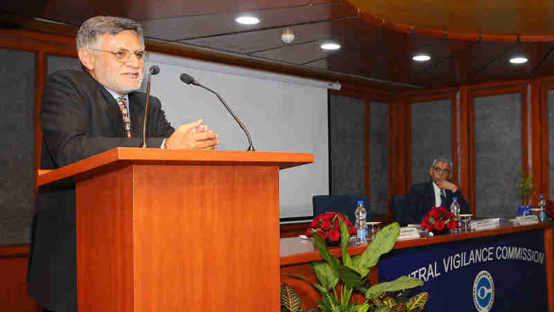 "Shri Ashok Arora, Author and Motivational Speaker, delivering the 26th lecture of the Central Vigilance Commission (CVC) 'Lecture Series' on ""Making Life Musical for Professional Excellence"", in New Delhi on December 29, 2017. The Central Vigilance Commissioner, Shri K.V. Chowdary is also seen."