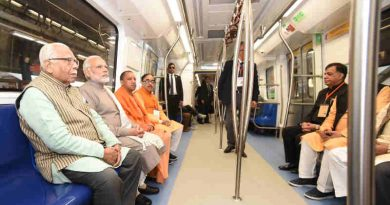 The Prime Minister, Shri Narendra Modi taking a ride in Metro from Botanical Garden Station to Okhla Bird Sanctuary along with the Governor of Uttar Pradesh, Shri Ram Naik and the Chief Minister, Uttar Pradesh, Yogi Adityanath and other dignitaries after its inauguration, at Noida, Uttar Pradesh on December 25, 2017.