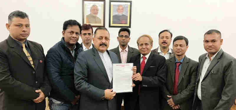 "A delegation of Tripura journalists representing the ""Forum for Protection of Journalists"" meeting the Indian Minister Jitendra Singh, in New Delhi on December 04, 2017. Photo: Press Information Bureau"