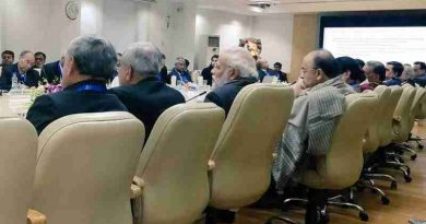 The Prime Minister, Narendra Modi, attended an interactive session with over 40 economists and other experts, organized by NITI Aayog.