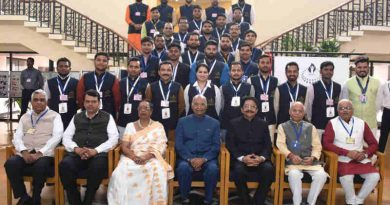 Ram Nath Kovind in a group photograph at the inauguration of the Economic Democracy Conclave, at Rambhau Mhalgi Prabodhini (RMP), Keshav Srushti, Uttan Village, Thane, in Maharashtra on January 14, 2018
