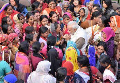 PM Modi Plays Gas Politics with Women Voters