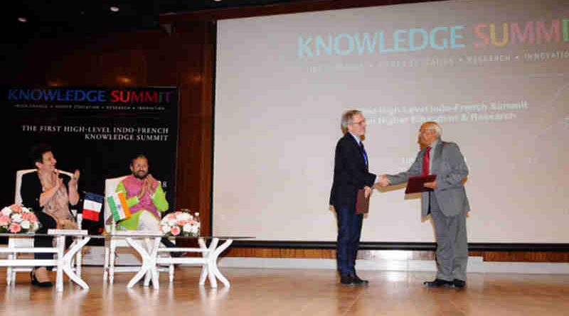 Prakash Javadekar and the French Minister of Higher Education, Research and Innovation Mrs. Frederique Vidal witnessing the exchange of the Memorandum of Understanding on Mutual Recognition of Academic Qualifications between India & France, at the 'Knowledge Summit', in New Delhi on March 10, 2018