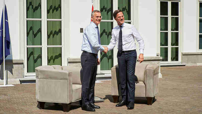 NATO Secretary General Jens Stoltenberg thanked the Netherlands for its contributions to the security of the Alliance during a visit to The Hague on April 19, 2018. Photo: NATO