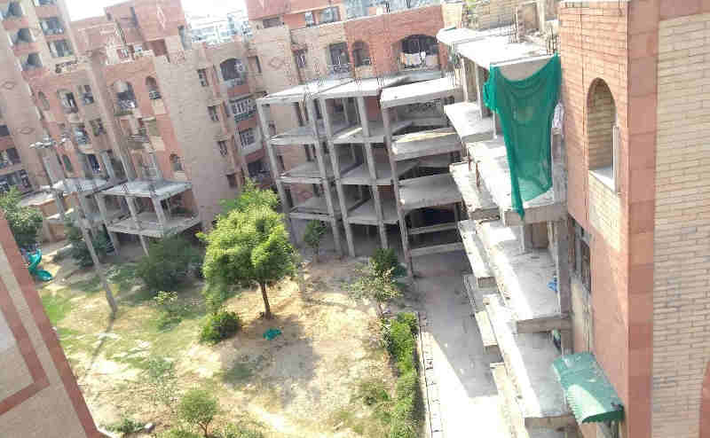 "FAR Construction Stopped at R. D. Apartments in Dwarka. Photo (May 2018) courtesy: Residents of R. D. Apartments. Click the photo to visit ""Clean House"" to study about rampant corruption in group housing societies of Delhi."